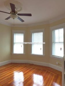 Watertown Great Deal in Watertown, 3 bed in just what you are looking for!  - $2,250