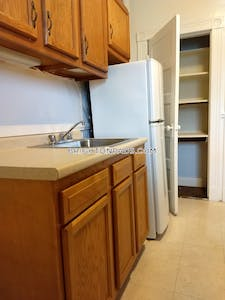 Brighton Take advantage of this huge price reduction on this Amazing 2 bed apt in Brighton Boston - $2,295