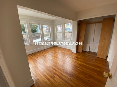 Mission Hill Amazing 5 Beds 3 Baths at Hillside Street- Mission Hill $5,650 Boston - $5,650 No Fee
